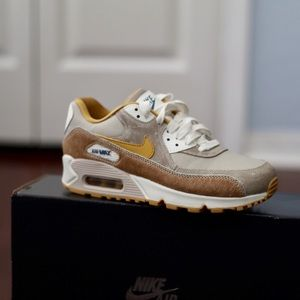 NEW Nike Air Max 90 Pony Sneakers Sz 6.5